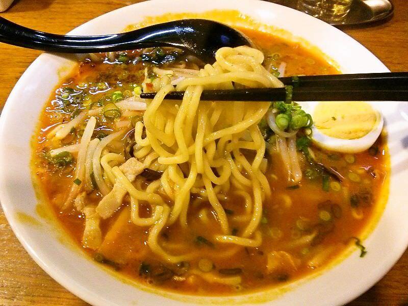 辛辛麺_リフトアップ