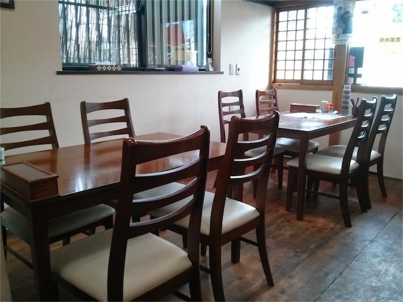 麺屋たなか テーブル席