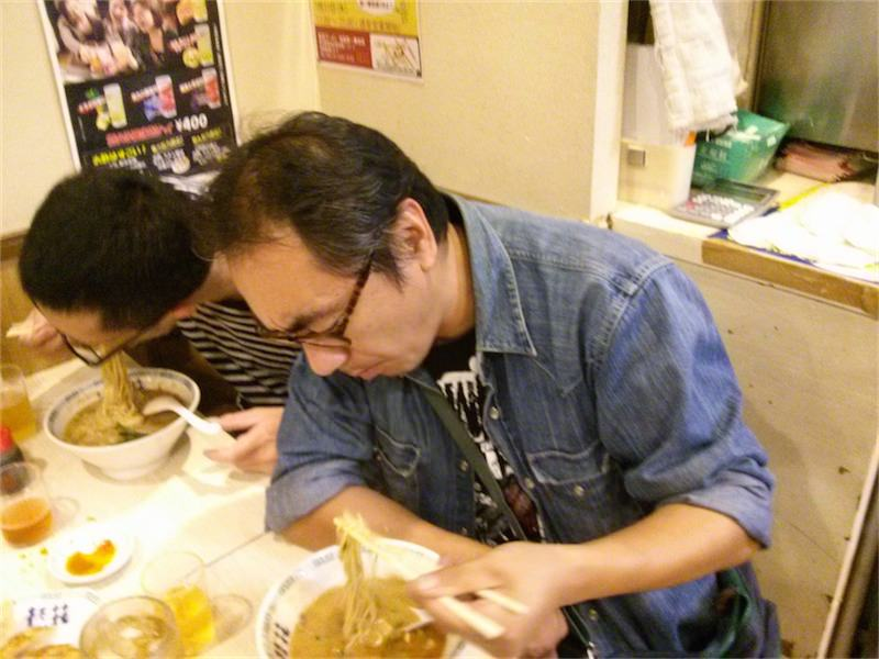 桂花ラーメン新宿西口店 記念写真3