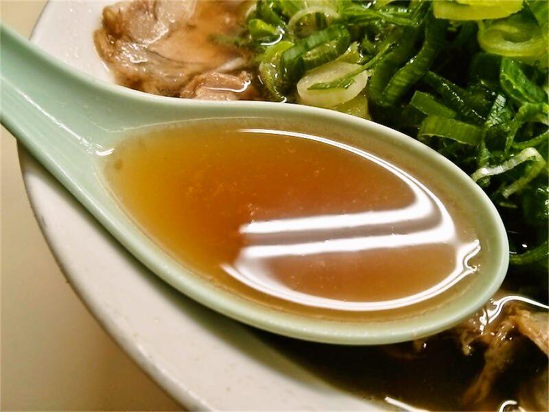 大栄ラーメン本店 スープ