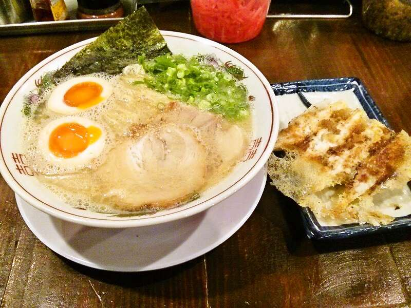 孝達 味玉ラーメンと餃子