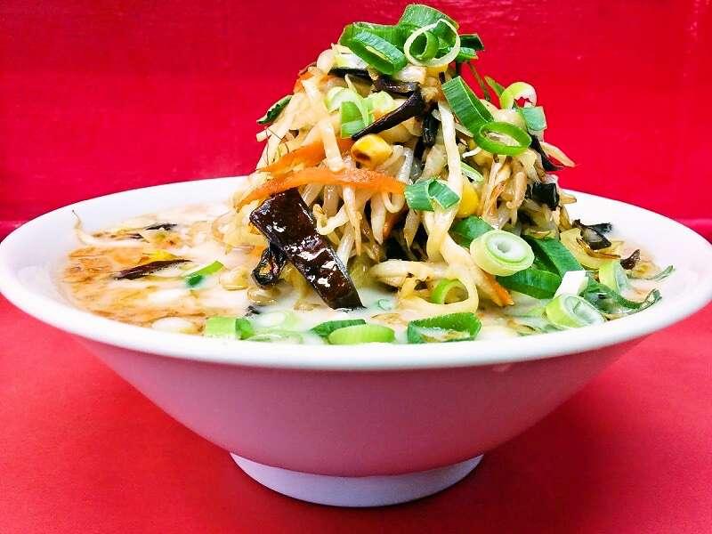王ちゃんラーメン 野菜ラーメン横アングル