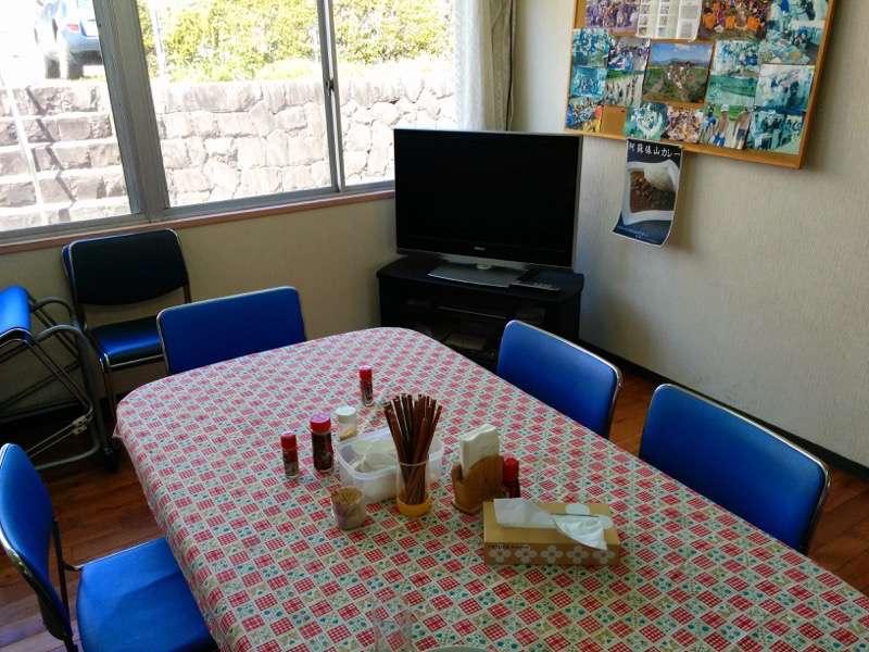 麺屋たんぽぽ テーブル席