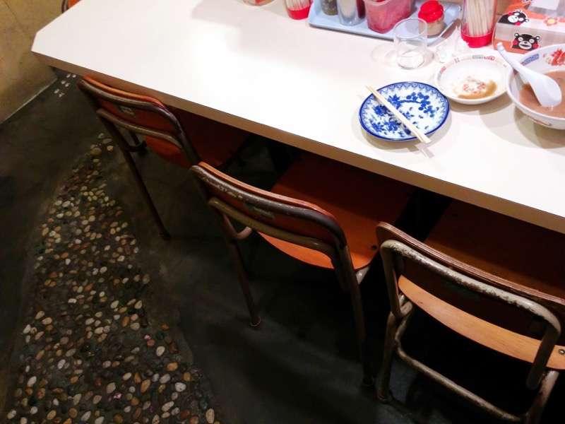 秀ちゃんラーメン 椅子