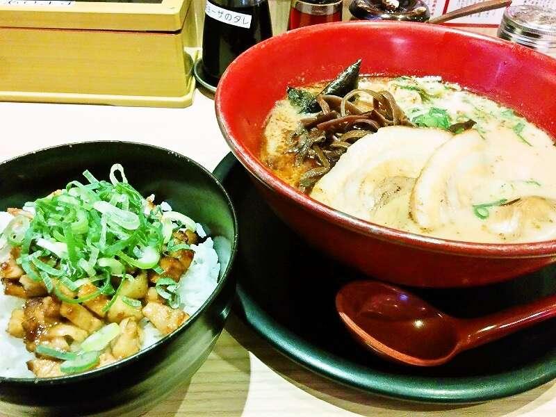 伝統熊本豚骨 伝 炙りチャーシュー丼セット