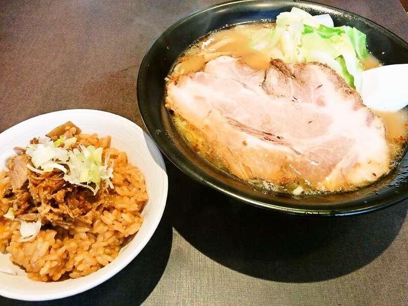 麺人佐藤 ラーメンと佐藤飯