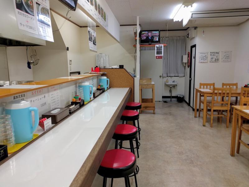 麺屋まるげん カウンター席