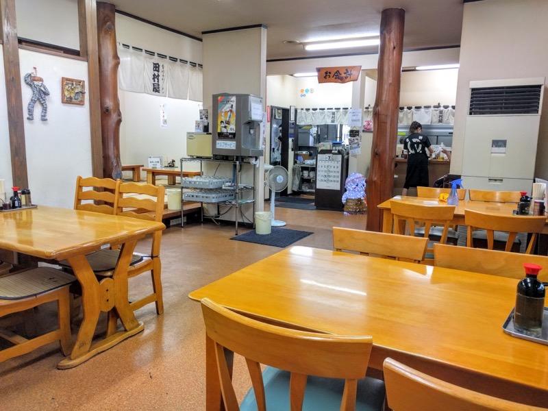 田村屋 テーブル席2