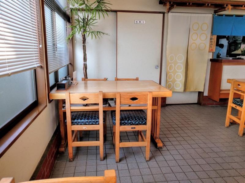 いさご食堂 テーブル席