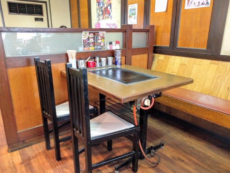 三八斎田店 テーブル席