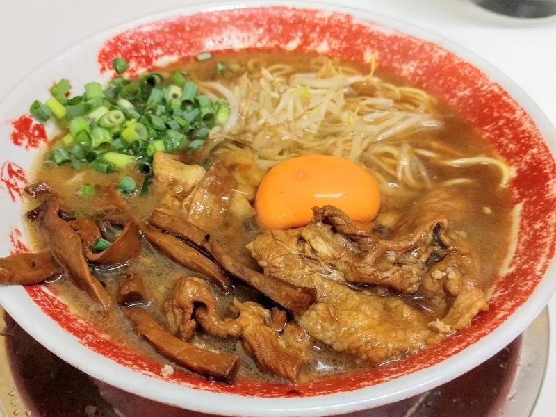 東大本店 徳島ラーメン肉増し生卵