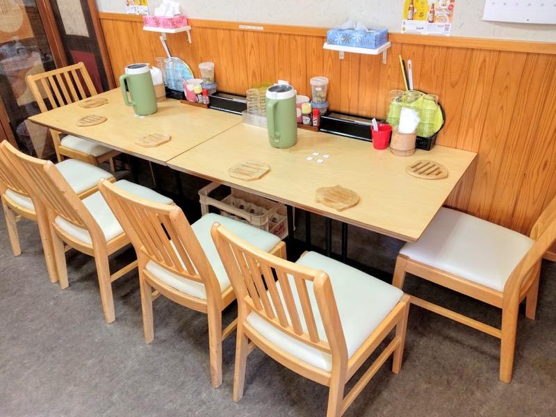 千秋 テーブル席