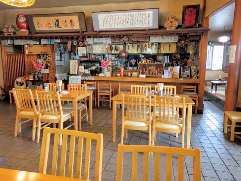 丸竹食堂 テーブル席