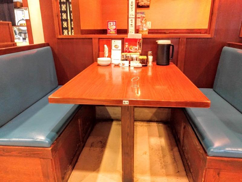 清陽軒本店 テーブル席