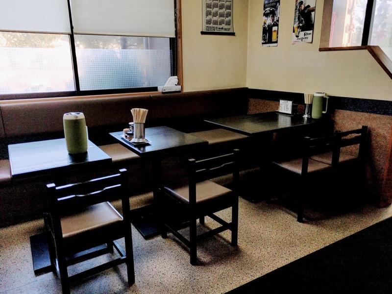 龍華亭 テーブル席