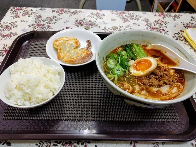 釜聖麺屋 13担々麺餃子セット