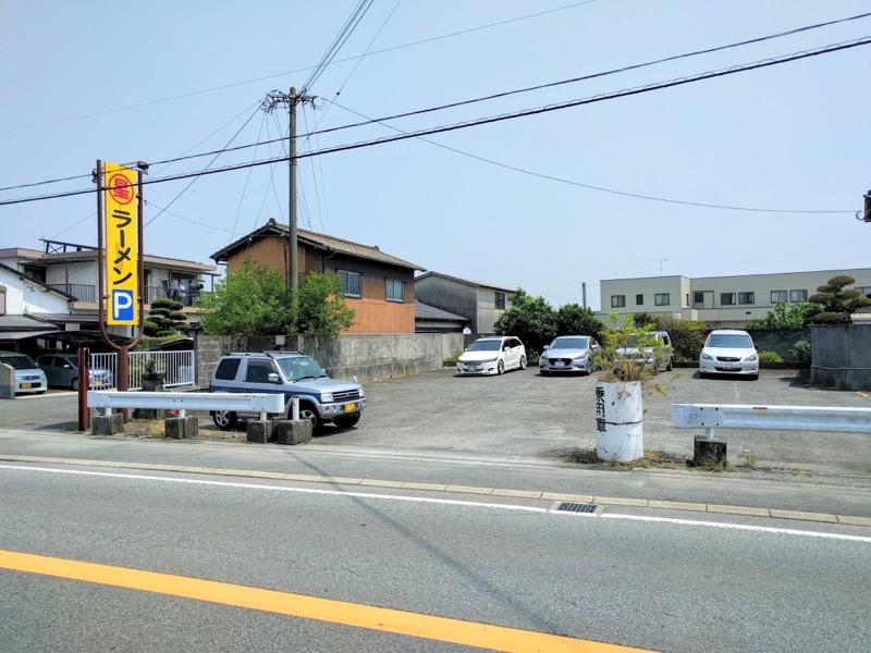 06駐車場