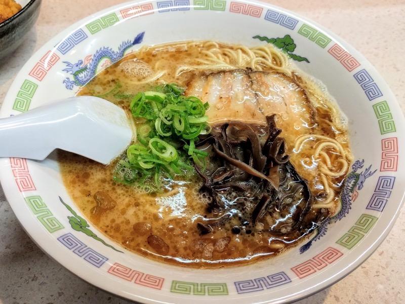 豚平 水前寺店|熊本県熊本市|ラーメン唐揚げセット