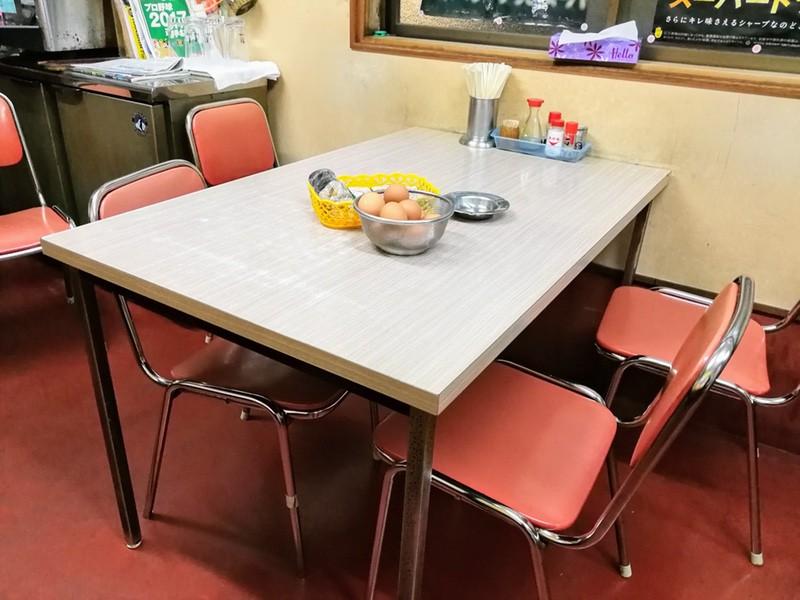 03テーブル席