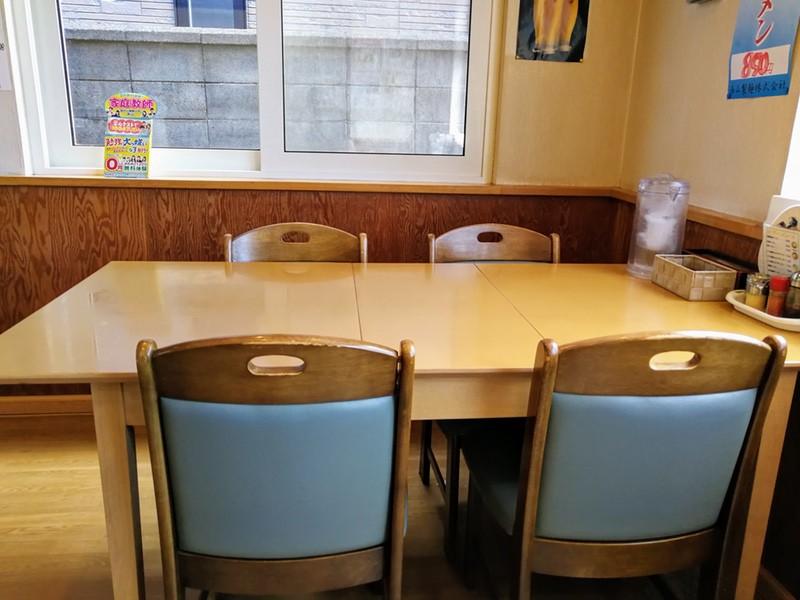 07テーブル席