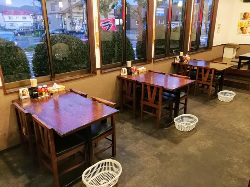 10テーブル席